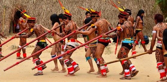 Brincar de índio -Reflexão sobre cultura indígena , representatividade e esteriótipos