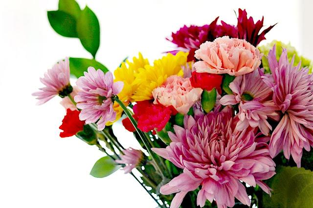 mardi, gras, bouqet, seasonal, blooming, athomewithjemma
