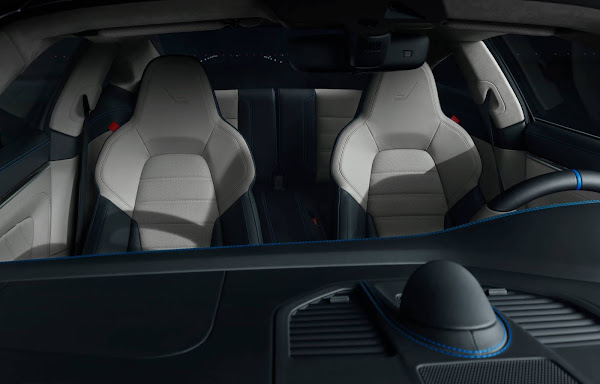Porsche e Embrear lançam 911 e Phenom 300E combinados