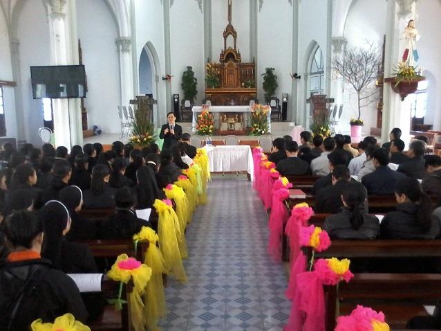 Linh mục - tu sỹ - chủng sinh giáo hạt Thuận Nghĩa hội ngộ đầu xuân 2016