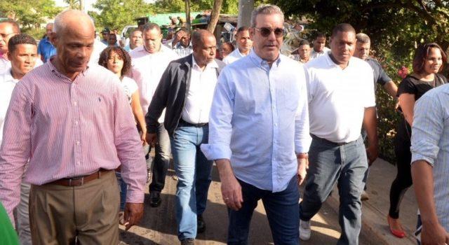 Abinader llama al Gobierno a priorizar los problemas sociales
