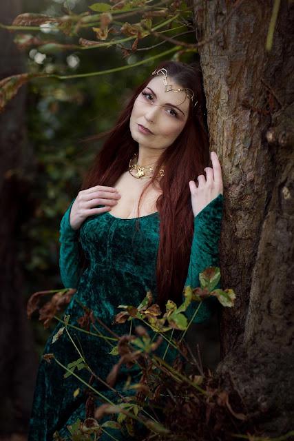 diadème Hynata porté par une druidesse