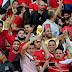 بالفيديو .. جماهير مصر تحتك بلاعبي المنتخب في الطائرة وتجبرهم على ترك مقاعدهم المميزة