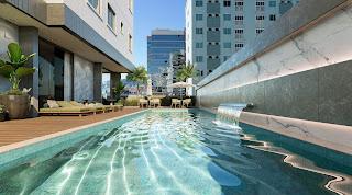 piscina-apartamento-4-suites-venda-horizon-palace-meia-praia-itapema-sc