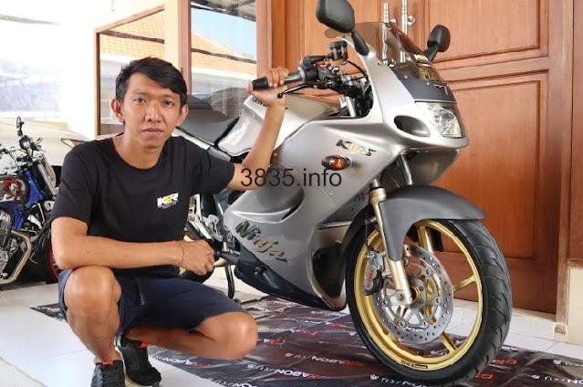 Modifikasi Ninja 150 RR Hedon Warna Silver