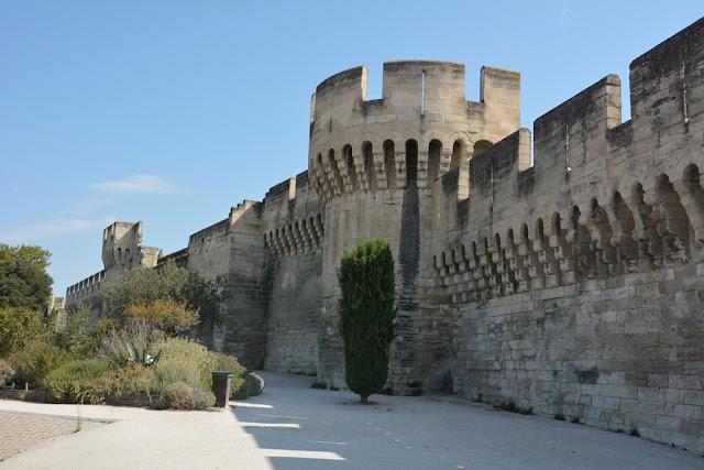 Avignon wall