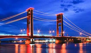 Mulai dari pusat kota palembang sampai, objek wisata, makanan kuliner sampai tempat nongkrong yang seru di Ibu Kota Sumatera Selatan ini