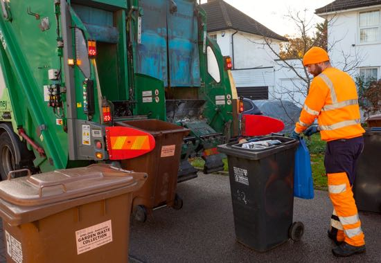 Image: Refuse collection in Welwyn Hatfield Image courtesy of Welwyn Hatfield Borough Council
