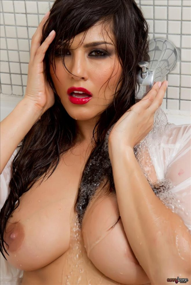 Sunny Leone Hot Naked Photos