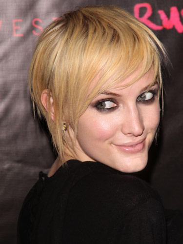 Ashlee Simpson Wentz Short Hairstyle 2013 - Hairstyles Weekly