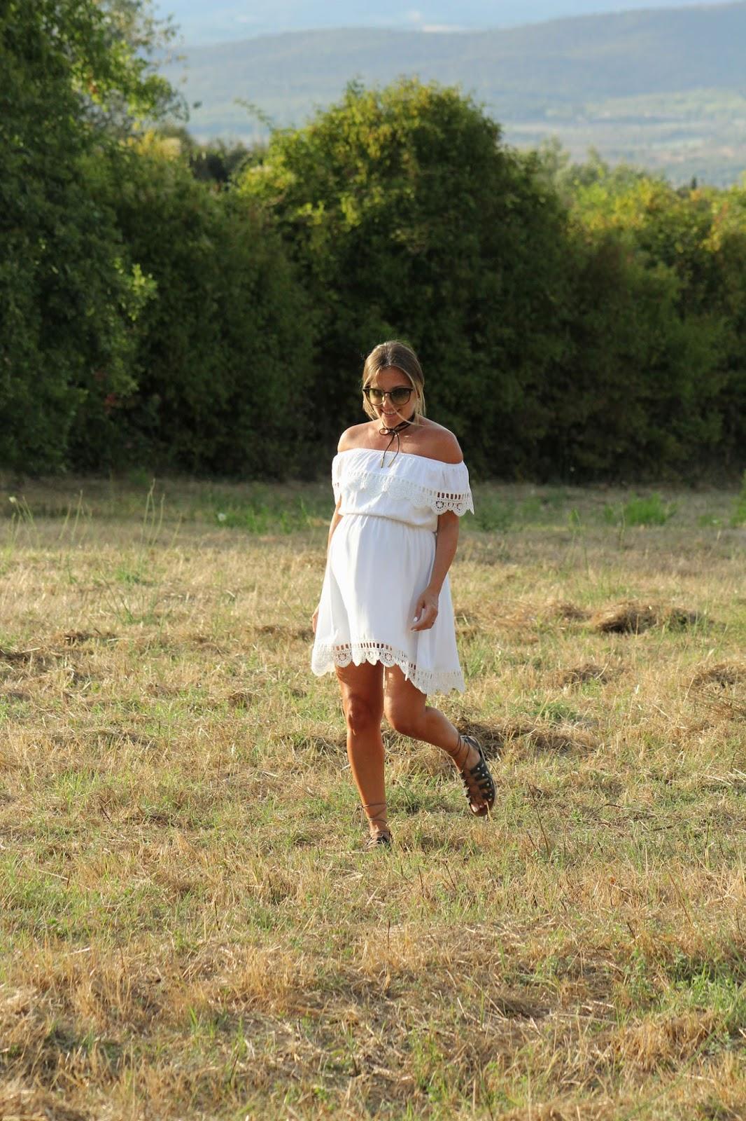 Perché scegliere un abito bianco - off the shoulder - Eniwhere Fashion