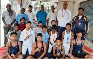 जौनपुर के बाल योगियों ने गोरखपुर में जीते 3 स्वर्ण सहित 10 पदक | #NayaSaberaNetwork