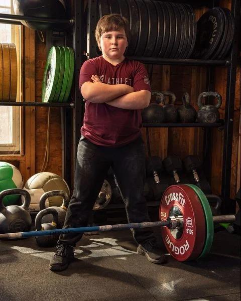 Tate Fegley tiene 11 años y es el niño más fuerte del mundo