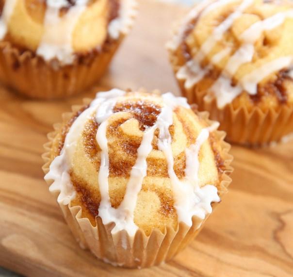CINNAMON ROLL MUFFINS #dessert #cake