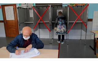 Russian election holds in 41 regions while polls overshadowed by Alexey Navalny poisoning