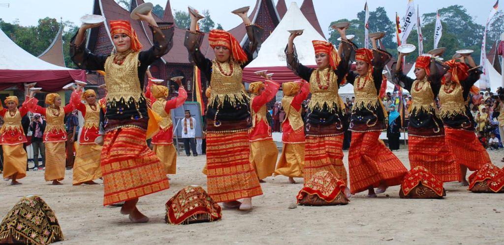 Ragam Gerak Tari Tradisional Minangkabau