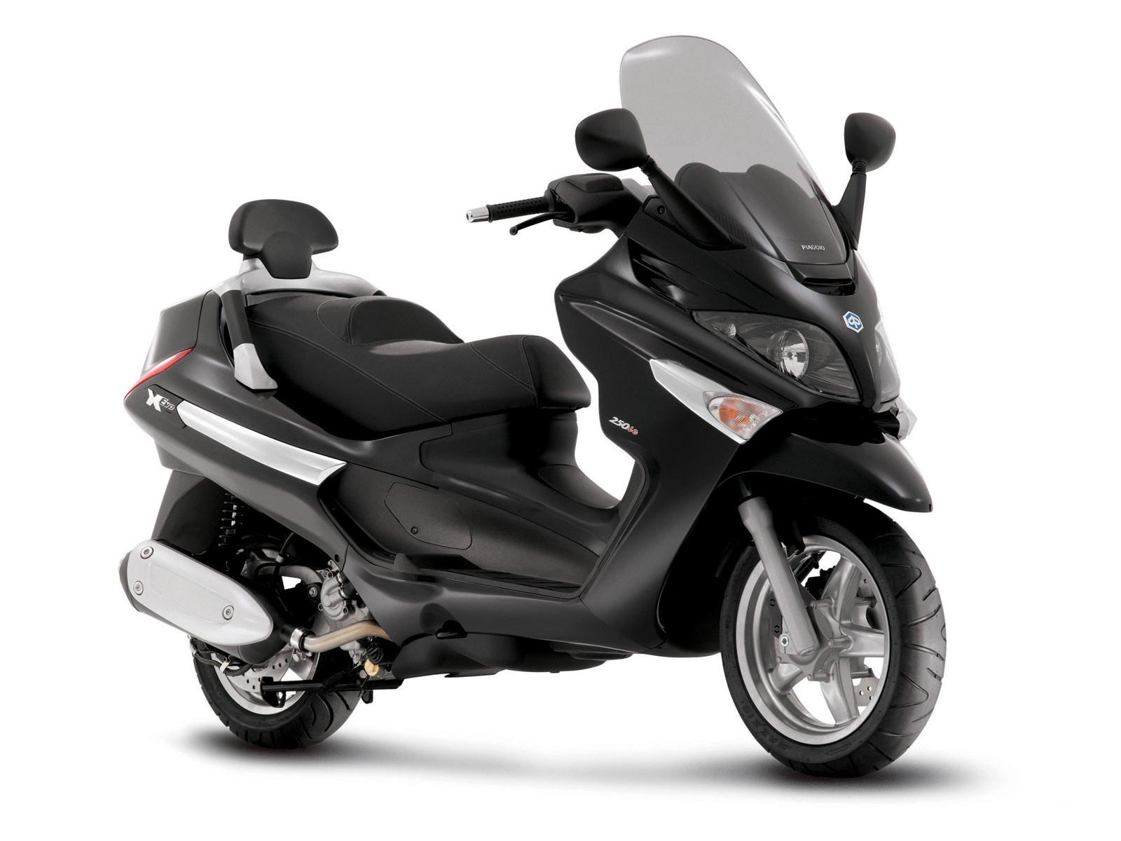 Piaggio Scooter Pictures 2007 X9 Evolution 500
