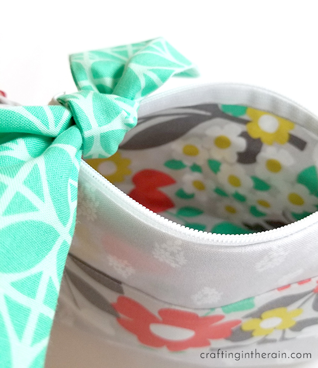 Cricut Access zipper pouch