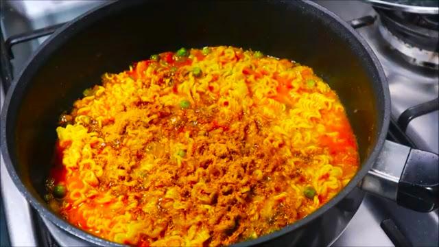 Masala Maggie Recipe in Hindi, easy Maggie Recipe