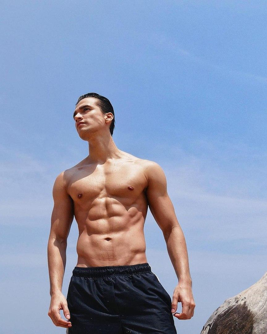 good-looking-shirtless-male-model-wet-fit-body-hunk