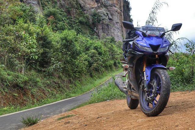 Touring Lintas Barat Sumatera Pakai Motor Yamaha R15