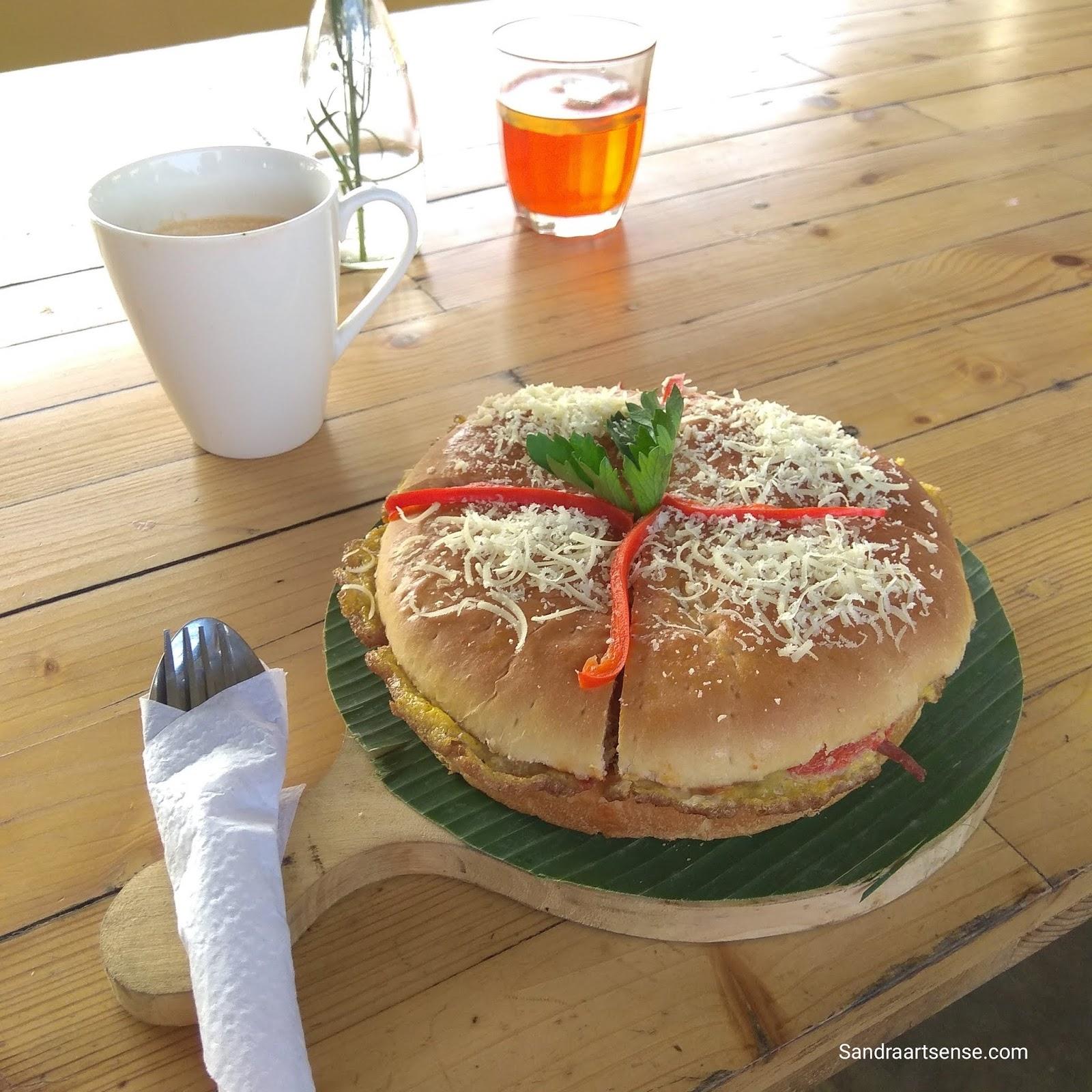Sandraartsense Com Meloh Cafe Tent Ngemil Asyik Ditemani