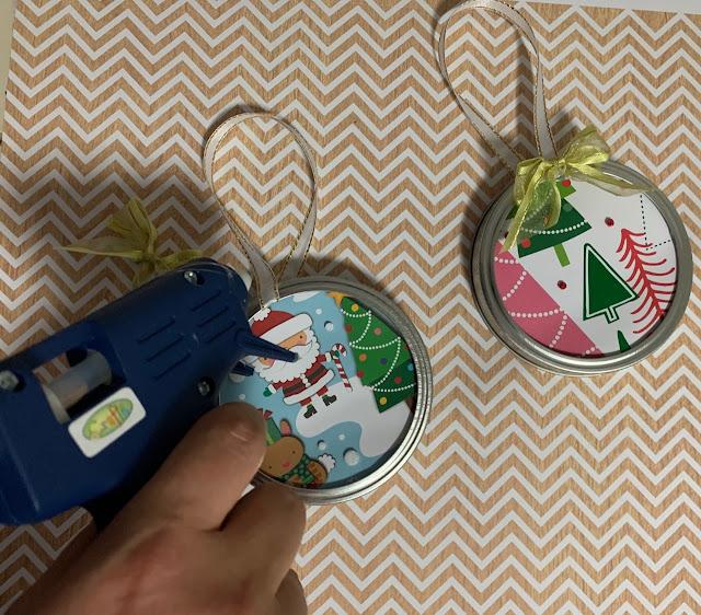 Homemade mason jar lid Christmas tree ornaments