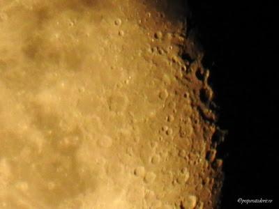 Craterele de pe Luna fotografie Nikon,