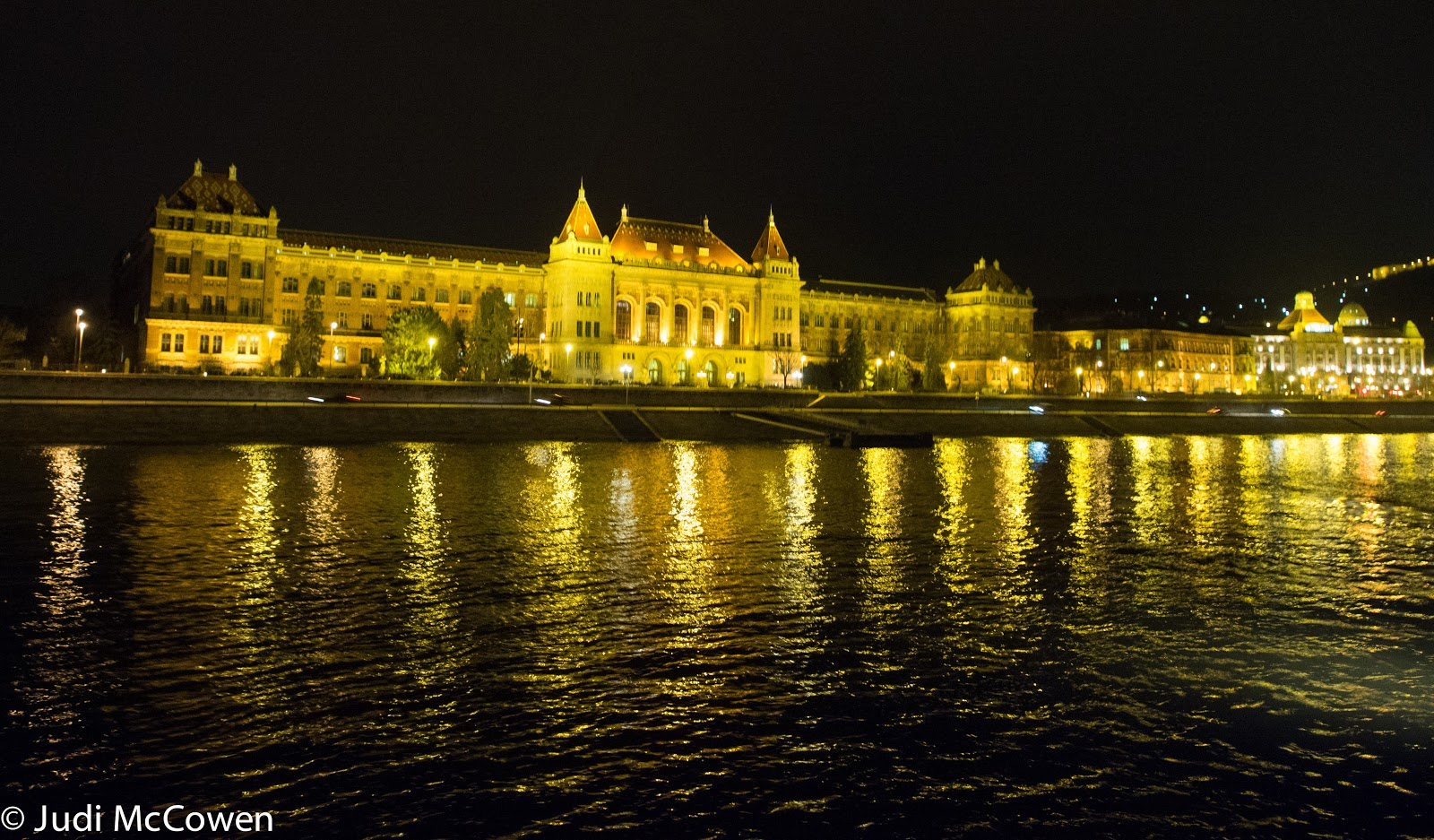 JUstDreamInparadise: Budapest by night