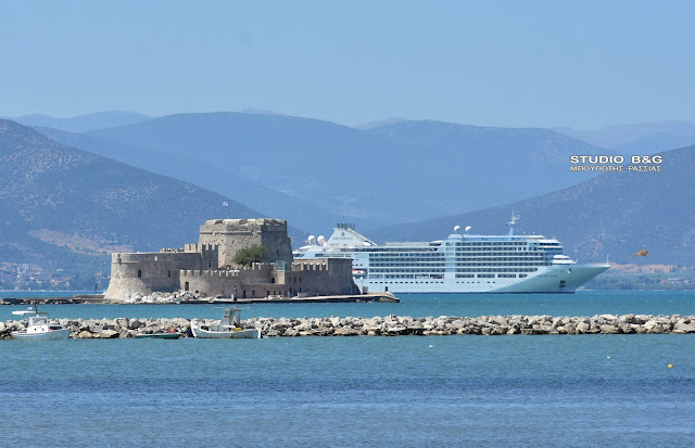 Silver Moon: Το πολυτελές κρουαζιερόπλοιο στο Ναύπλιο