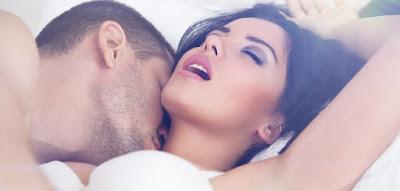 Σεξ: Τι γίνεται στο σώμα της γυναίκας όταν διεγείρεται σεξουαλικά