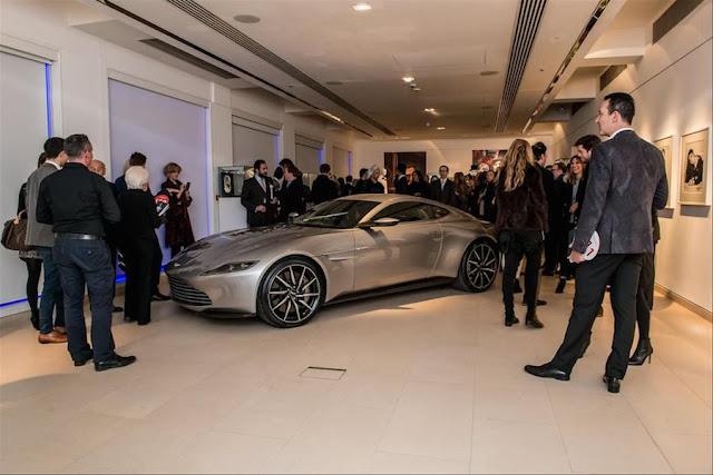 007最新作スペクターのボンドカー「アストンマーチンDB10」が約4億円で落札!