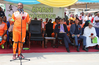 Governor launched youth project in preparation for the coming elections.