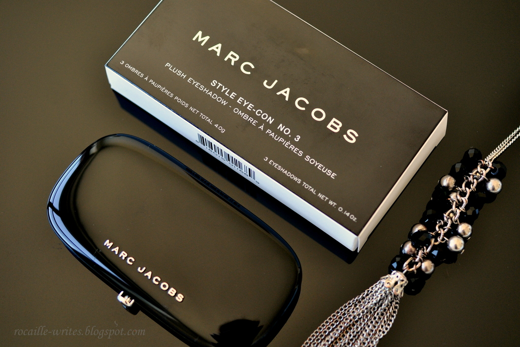 Peaches & Taupe: Marc Jacobs Style Eye-Con Eyeshadow Trio in 102 The Ingénue