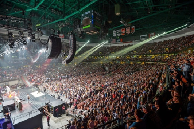Noite no Honda Center em Anaheim