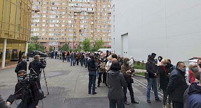 В Киеве началась вакцинация по живой очереди