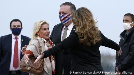 """""""Ενοχλητική"""" η επίσκεψη Πομπέο στη Γαλλία;"""
