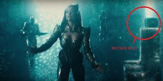 hal penting dalam trailer tersebut yang bisa jadi kalian lewatkan atau tidak kalian sadari 5 Teori Film Justice League yang Muncul Setelah Trailer Pertamanya
