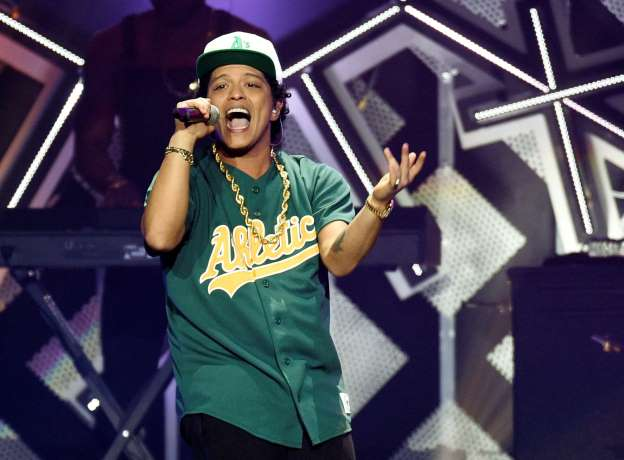 Bruno Mars to Perform at 2017 Grammy Awards