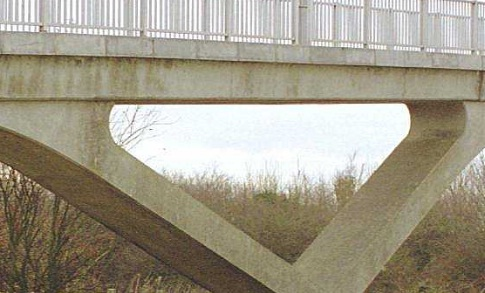A Giant example of Struts in concrete bridge construction