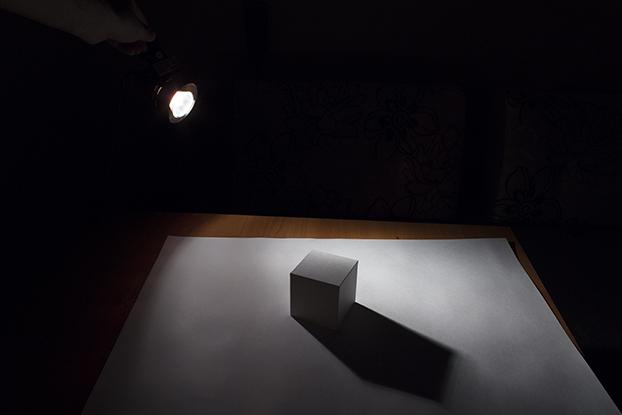 10-освещение-белого-кубика