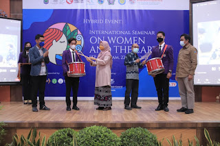 "Wagub NTB: Perempuan ""Agent of Change"" Kelestarian Bumi"