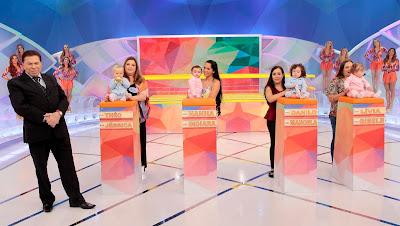 O apresentador durante o Concurso de Bebês (Crédito: Lourival Ribeiro/SBT)