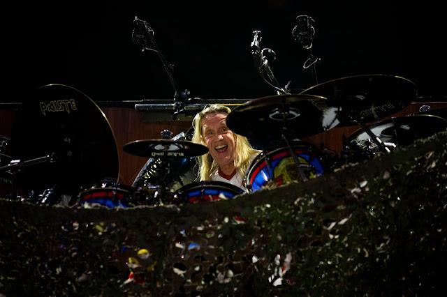 """Nicko McBrain: """"não vou usar pedal duplo, pratico com um desde sempre"""""""
