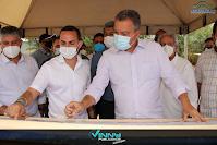 Recebido pelo prefeito Phellipe Brito, Rui Costa entrega obras em Ituaçu