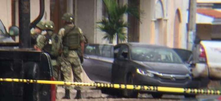 Tres muertos y 13 heridos, saldo de enfrentamiento entre sicarios en Tepic