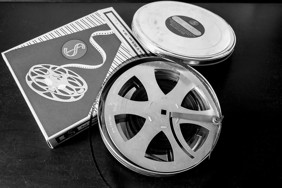fim.works | Fotografie.Leben.Wohnen. | Tutorial | SEO auch für Bilder? | Pappschachtel, alte Filmspule von Siemens, Bobina, Blechdose