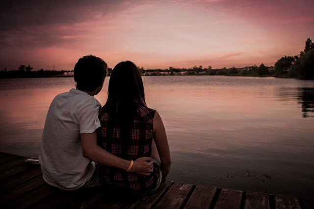 Beautiful Feel Free Love Couple River Images