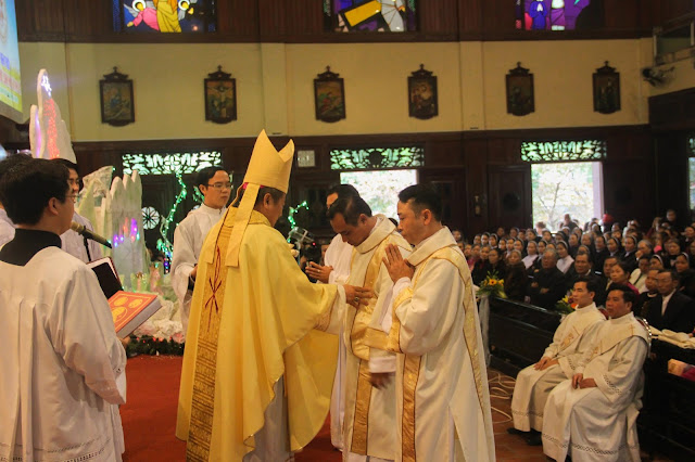 Lễ truyền chức Phó tế và Linh mục tại Giáo phận Lạng Sơn Cao Bằng 27.12.2017 - Ảnh minh hoạ 133