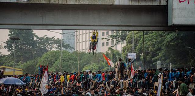 Jokowi Abu-abu Soal Perppu KPK, Mahasiswa UIN Jakarta: Jangan Salahkan Kami Aksi Lagi